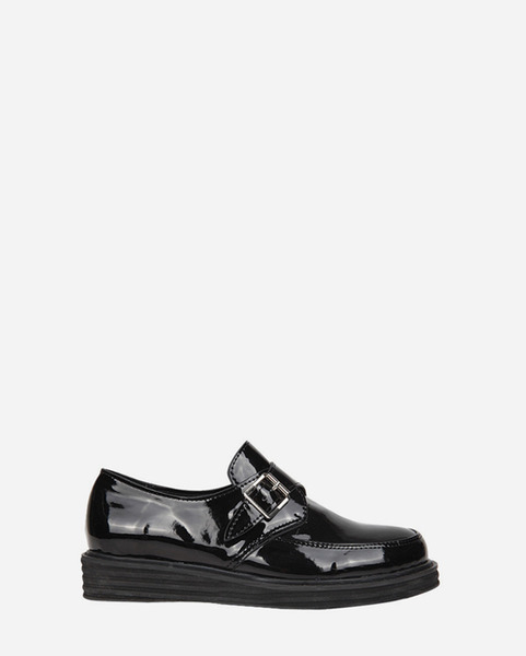 buckle enamel loafer