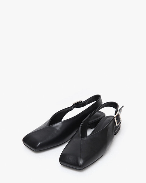 square buckle point shoes