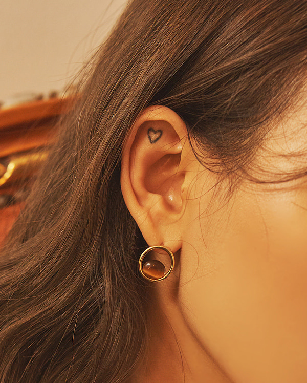 round in circle earring
