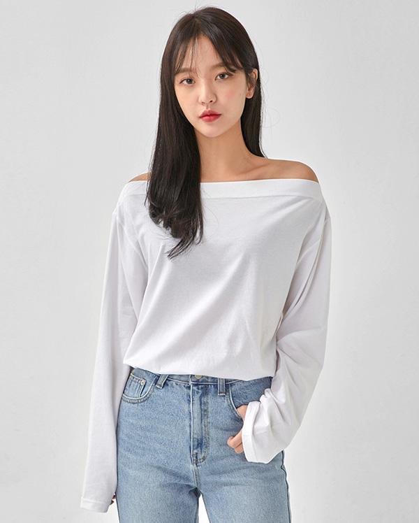 great off-shoulder long sleeve T