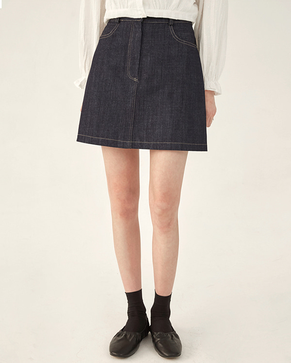 mac short denim skirt (s, m)