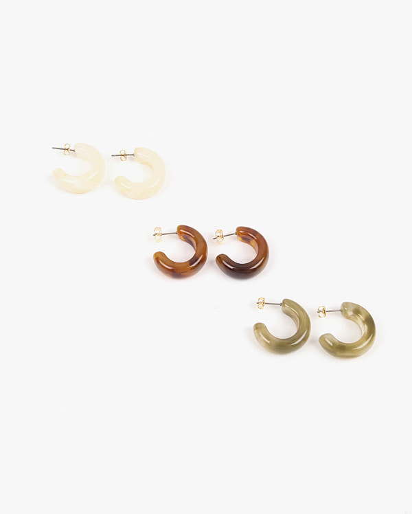 glossy curve earring