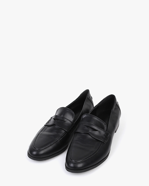 a leave over loafer (230-250)