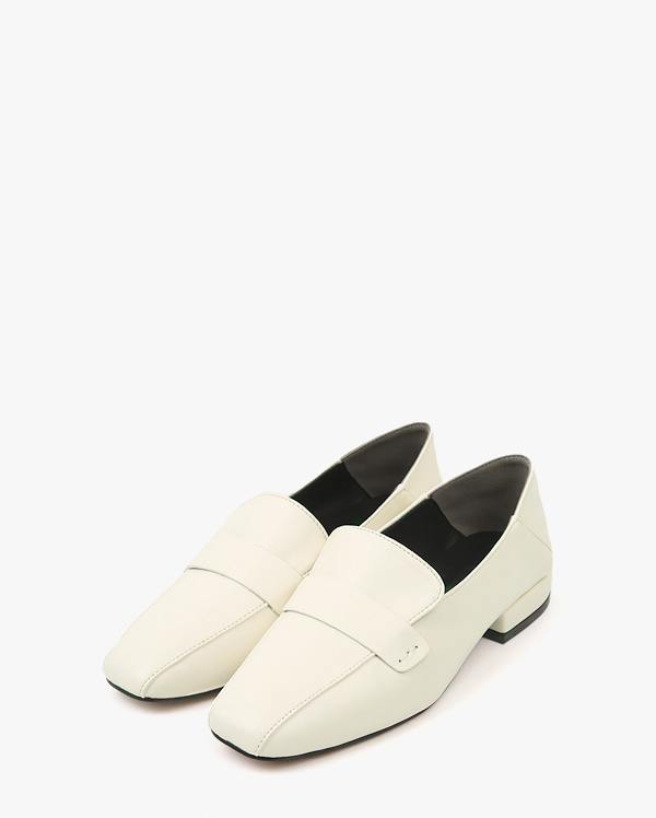 a shape daily loafer (225-250)