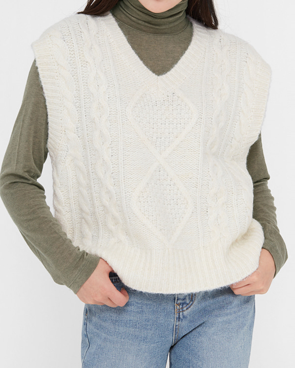 ground twist alpaca vest knit