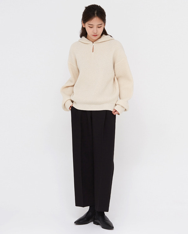 in cozy wool hoody knit