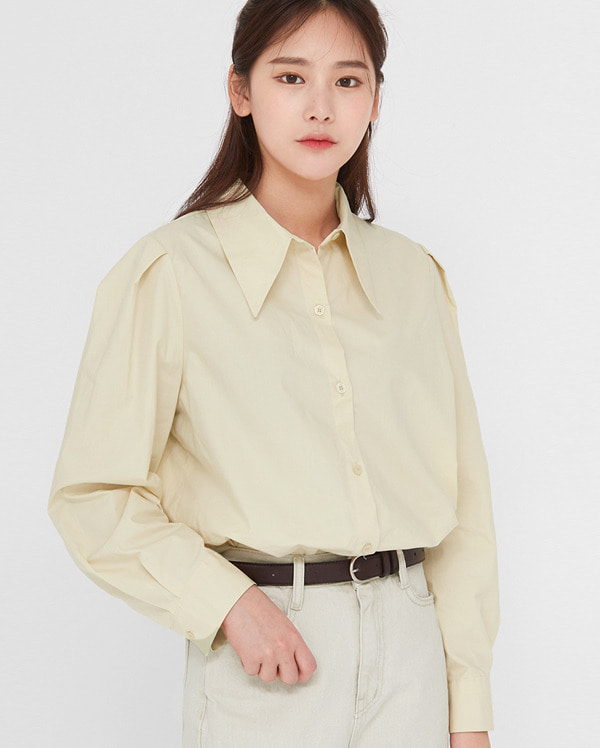 meet girl puff blouse