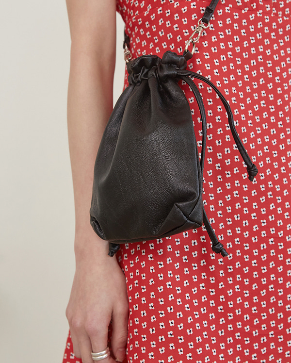 peanut mini bucket bag