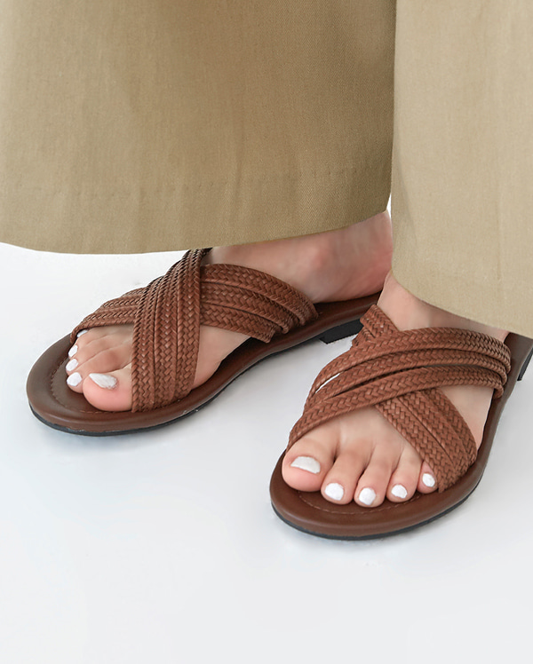 epic x strap slipper (230-250)