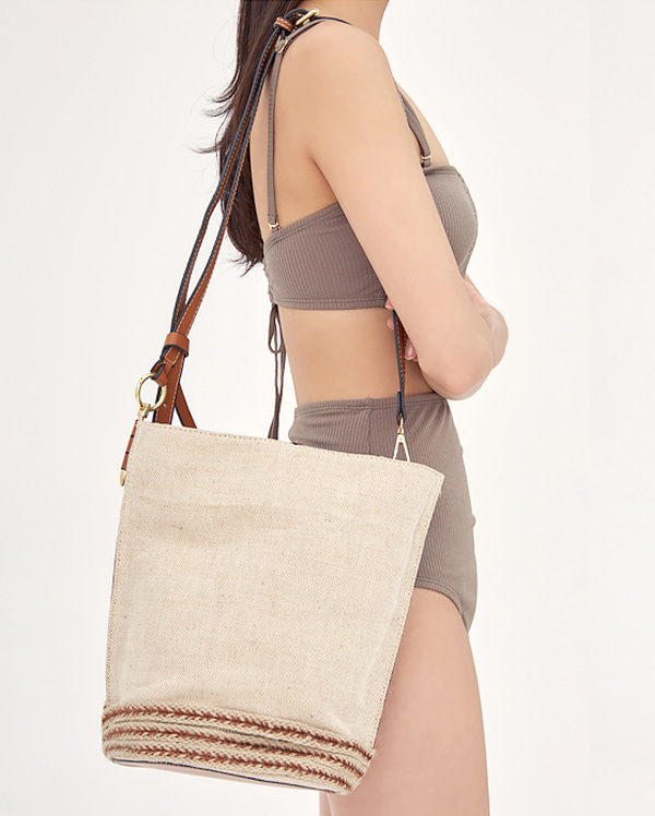 soft circle shoulder bag