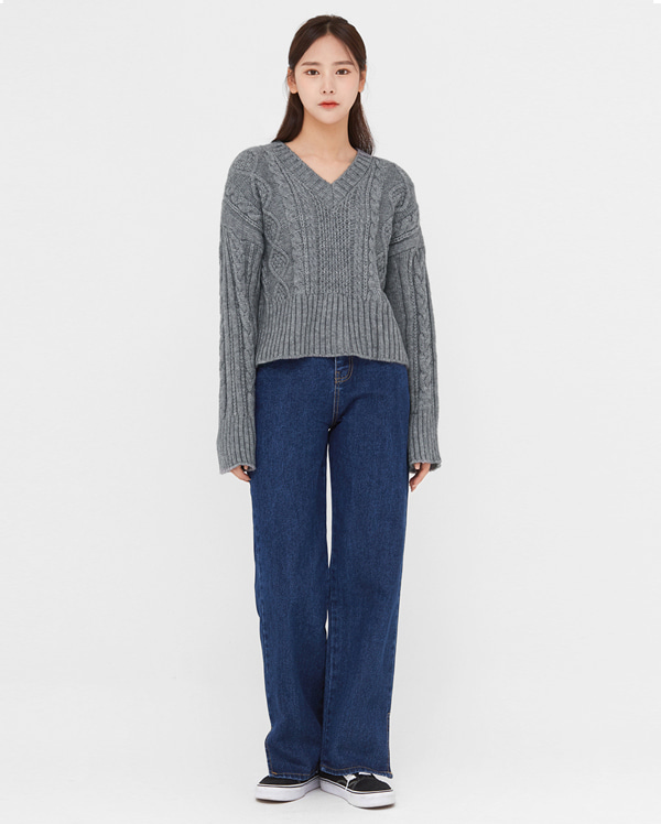 endolph cable v-neck knit