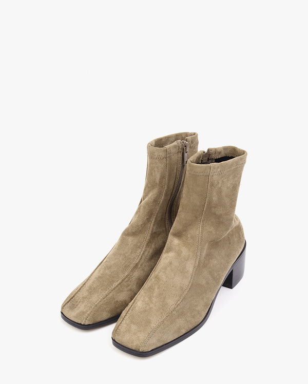 two lined suede ankle boots (225-250)