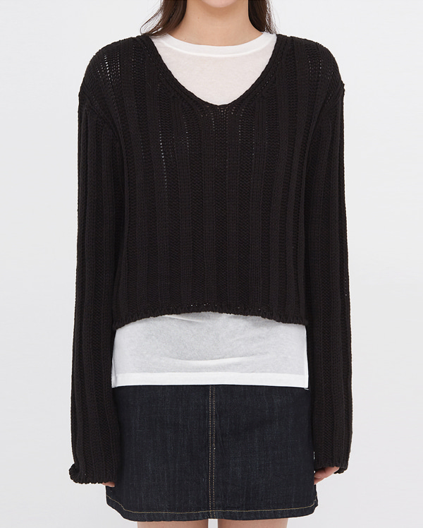 have golgi v-neck crop knit